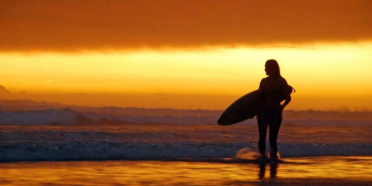 Matapalo Sunset Surfing