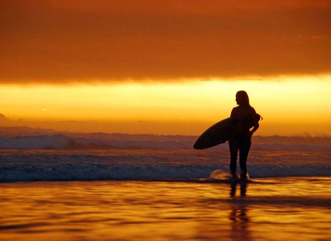 Matapalo Sunset Surfing